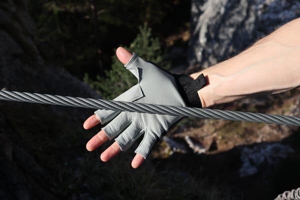 Klettersteighandschuhe testsieger
